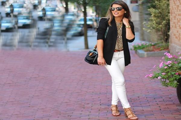 Κορίτσια το νους σας: Το λευκό παντελόνι που φοριέται όλη την ημέρα! Πως θα το συνδυάσεις;