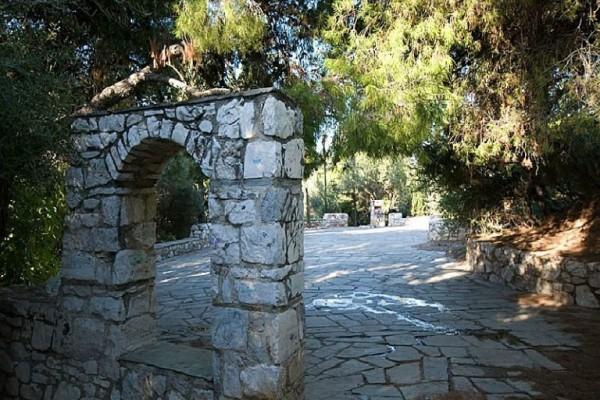 Ανασαίνοντας οξυγόνο! Αυτή είναι η πιο πράσινη γωνία της Αθήνας! (Photos)
