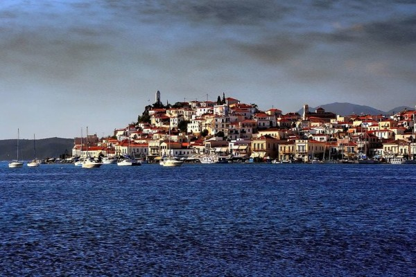 Το Πάσχα της ζωής σας: Μία ανάσα από την Αθήνα θα χτυπήσει και φέτος η καρδιά της Ορθοδοξίας!