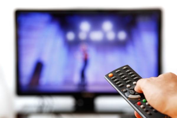 Δείξε την οθόνη σου, να σου πω ποιος είσαι: Να τι παρακολουθούν στην TV οι διάσημοι!