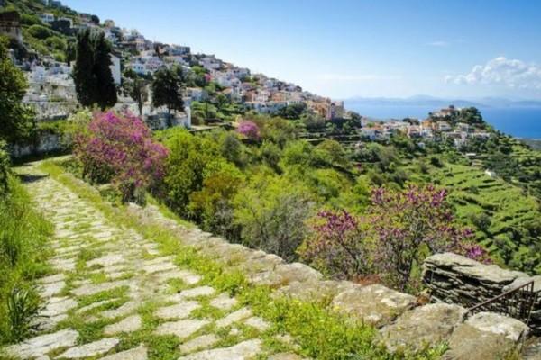 Εκδρομή της τελευταίας στιγμής για το Πάσχα; Αυτό το πανέμορφο νησί μιαν ανάσα από την Αθήνα έχει όλα όσα ζητάς!