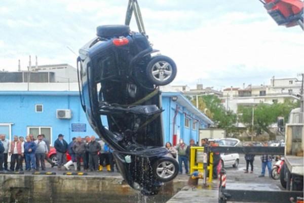 Τραγωδία στην Χαλκίδα: 60χρονος έπεσε με το αυτοκίνητο στην θάλασσα! (photos)