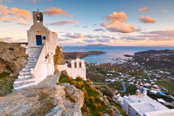 Το ελληνικό νησί που αποθεώνει η Guardian! «Εκεί πηγαίνουν οι Αθηναίοι που… ξέρουν» (Photos)