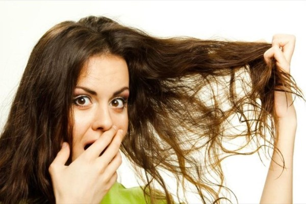 Αυτός είναι ο πιο απίστευτος λόγος που λαδώνουν τα μαλλιά σου γρήγορα!