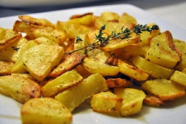 Δοκιμάστε τις πιο νόστιμες και γευστικές πατάτες φούρνου