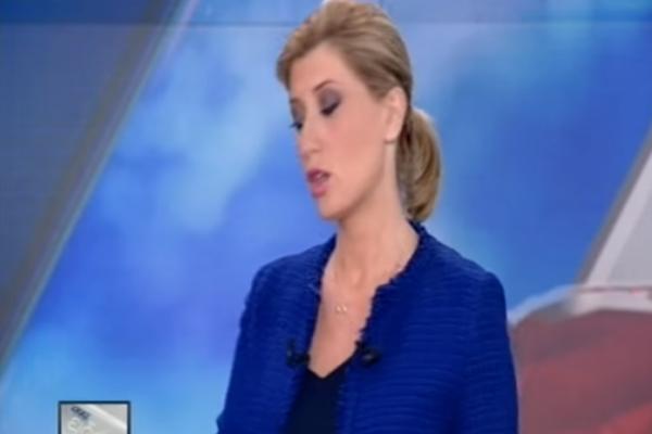 Σία Κοσιώνη: Το «ατυχηματάκι» της εγκυμονούσας δημοσιογράφου στο δελτίο του ΣΚΑΪ! Το αντιμετώπισε ψύχραιμα! (video)