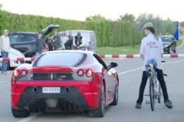 Απίστευτο: Το ποδήλατο που είναι πιο γρήγορο από μια... Ferrari! Το video που κάνει τον γύρο του διαδικτύου