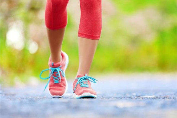 Πόσα χιλιόμετρα πρέπει να περπατάτε την ημέρα για να χάσετε 5 κιλά σε ένα μήνα;