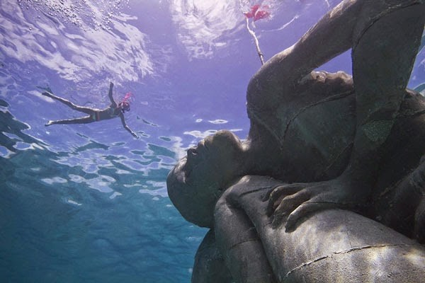 «Ocean Atlas»: Το εντυπωσιακό άγαλμα με το ελληνικό όνομα που είναι βυθισμένο στις Μπαχάμες! (photos)