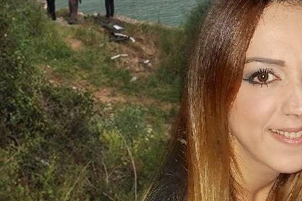 Ράγισαν καρδιές στην κηδεία της 36χρονης Μαρίας Ιατρού. Τραγικές φιγούρες η μητέρα της, ο σύζυγός της και τα ανήλικα παιδιά της (photos)