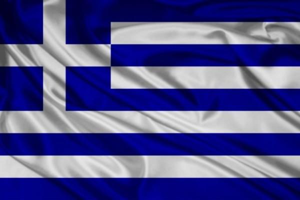 Νέα απίστευτη πρόκληση: Αλβανοί ποδοπατούν την ελληνική σημαία! (Photo)
