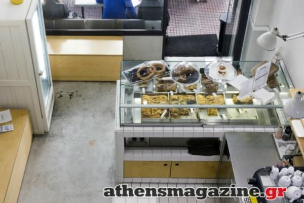 Στο κέντρο της Αθήνας βρήκαμε ένα καταπληκτικό μαγαζί με τις καλύτερες παραδοσιακές πίτες που έχουμε φάει ποτέ! Σαν της γιαγιάς...