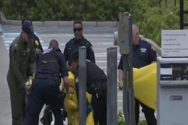 Βίντεο που σοκάρει: Αλεξιπτωτιστής σκοτώθηκε σε επίδειξη στο λιμάνι της Νέας Υόρκης (Video)