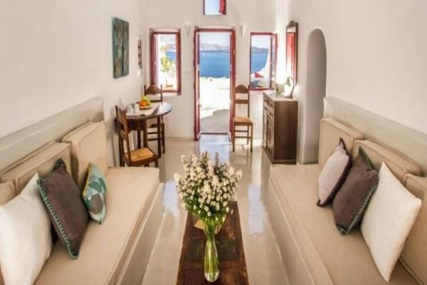 Το καλύτερο σπίτι στην Ελλάδα σύμφωνα με την Airbnb! Είναι μόλις 35 τετραγωνικά μέτρα αλλά η θέα του θα σας αφήσει με το στόμα ανοιχτό (photos)