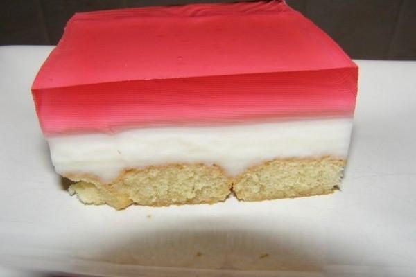 Το υπέροχο γλυκό ψυγείου με ζελέ και μπισκότα που έχει τρελάνει το διαδίκτυο!