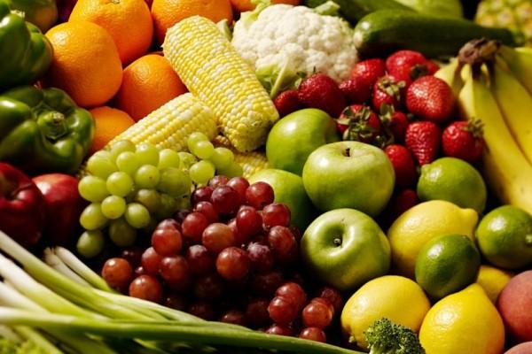 Προσοχή: Αυτά είναι τα 12 πιο μολυσμένα λαχανικά και φρούτα από φυτοφάρμακα! Το 10ο το τρώμε όλοι καθημερινά!