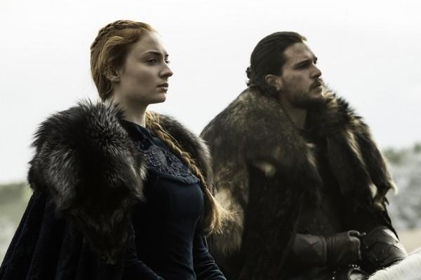 Πρωταγωνιστής του Game of Thrones στις Σπέτσες παρέα με την γοητευτική σύντροφό του! (photos)