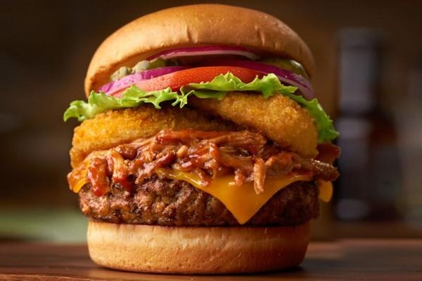 Αυτοί είναι οι 9 κανόνες για να φτιάξεις το τέλειο burger! Δεν πάει το μυαλό σου ποιος είναι ο 5ος (photos)