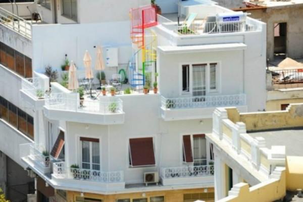 Παρουσίαση: Το διαμέρισμα - σημείο αναφοράς στο Μοναστηράκι αποδεικνύει ότι το όμορφο δεν είναι πάντα ακριβό! (Photos)
