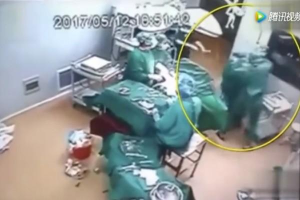Η ντροπή του Ιπποκράτη: Γιατροί παίζουν ξύλο την ώρα του χειρουργείου! (Video)