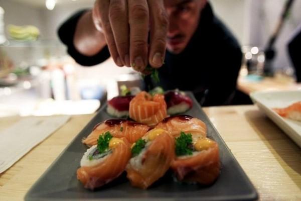 Φτηνή & νόστιμη λύση για φαγητό στην Αθήνα: Τα καλύτερα έθνικ φαγάδικα με πανδαισία γεύσεων!