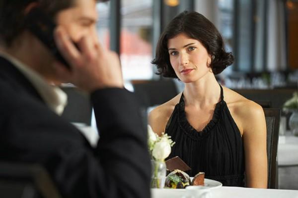Γιατί εμείς οι γυναίκες επιλέγουμε να κάνουμε σχέση με έναν παντρεμένο;