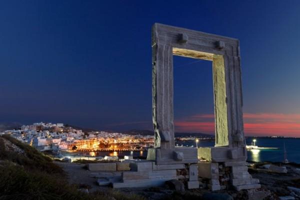 Πορτάρα: Γνωρίστε το εμβληματικό και μυστηριακό σύμβολο της Νάξου (photo)