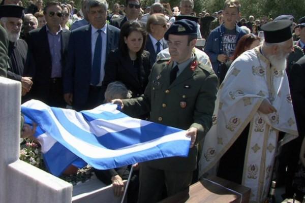 Ανατριχίλα! Οι ήρωες που πολέμησαν στην Τούρκικη εισβολή στην Κύπρο γύρισαν ξανά στα πάτρια εδάφη! (Photos+video)