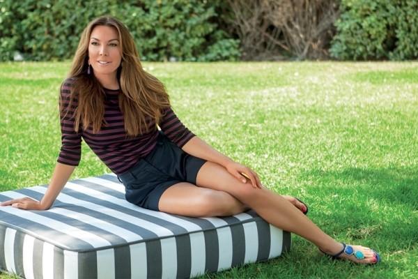 Αυτό είναι το ωραιότερο πουκάμισο του καλοκαιριού: Το φόρεσε πρώτη η Τατιάνα Στεφανίδου - Δείτε πόσο κοστίζει (Photo)