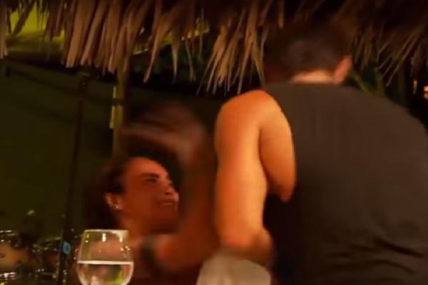 Survivor γλέντι: Ο Βασάλος τρώει χαστούκι απο την Τουρκάλα αφου πρώτα την.... (Video)
