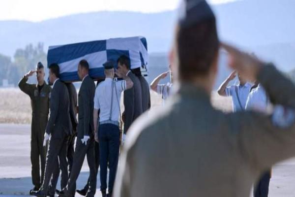 Έφτασε στην Κρήτη η σορός του Κ. Μητσοτάκη - Αύριο η ταφή του! Δείτε συγκλονιστικές εικόνες
