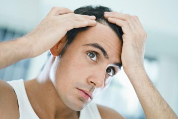 Πέφτουν τα μαλλιά σου; Δες τις 3 αιτίες που μπορεί να ευθύνονται!