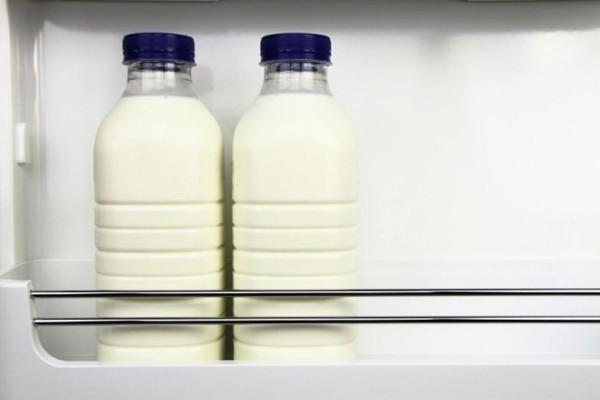 Προσοχή: Γιατί απαγορεύεται να βάζετε το γάλα στην πόρτα του ψυγείου το καλοκαίρι;