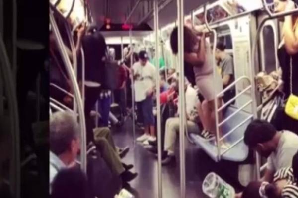 Απίστευτες εικόνες: Ένα ποντίκι έκανε άνω κάτω το μετρό της Νέας Υόρκης! (photos)