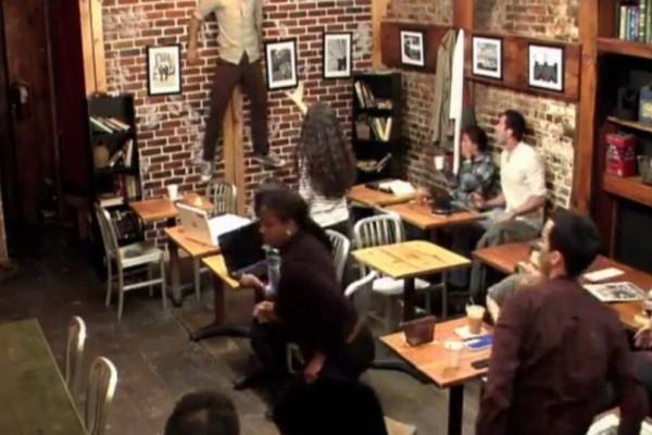 Η πιο τρομακτική φάρσα στον κόσμο έγινε σε αυτή την καφετέρια! (Video)