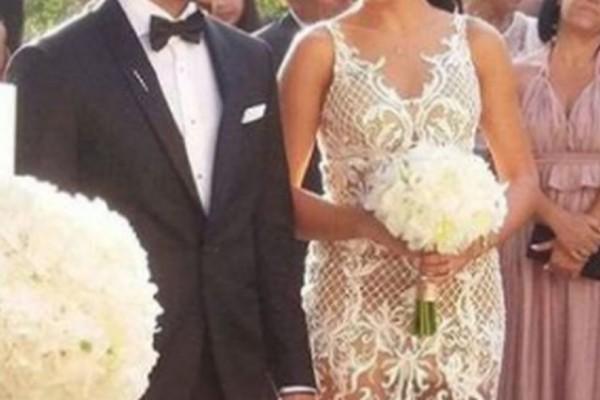 Παντρεύτηκε διεθνής Έλληνας ποδοσφαιριστής! Το άκρως... αποκαλυπτικό νυφικό της συζύγου του που μαγνήτισε τα βλέμματα! (photos)