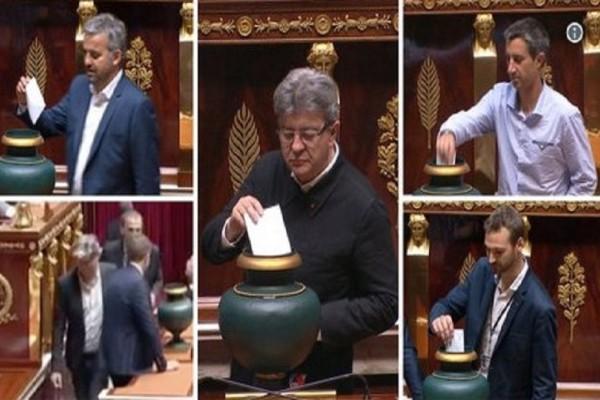 Πρωτοφανές περιστατικό στην Γαλλία! -  Για πρώτη φορά νεοκομμουνιστές βουλευτές χωρίς γραβάτα και σακάκι στη Βουλή! (Photo)