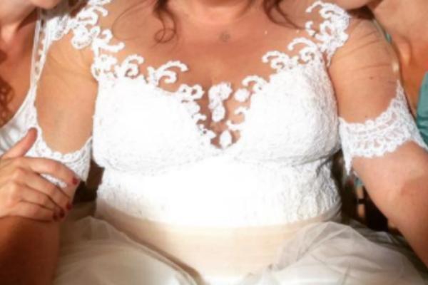 Γνωστή ηθοποιός «ντύθηκε» νυφούλα! Δείτε την ανάρτηση της!