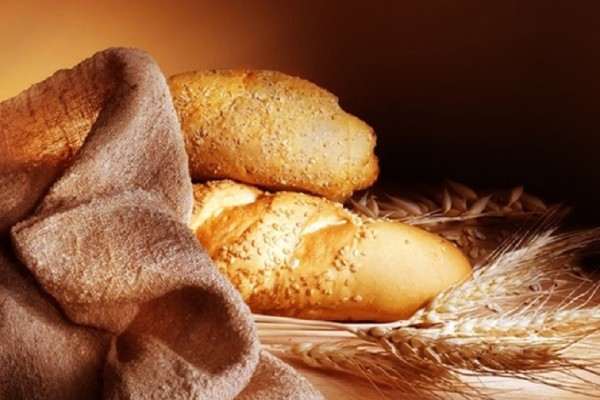 Φτιάξε σπιτικό ψωμί εύκολα και γρήγορα με ένα υλικό έκπληξη!