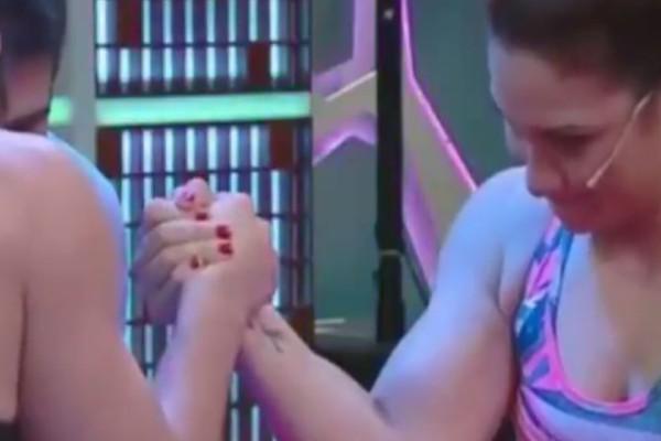 Βίντεο - σοκ: Της έσπασε οn air το χέρι κάνοντας μπρα ντε φερ!