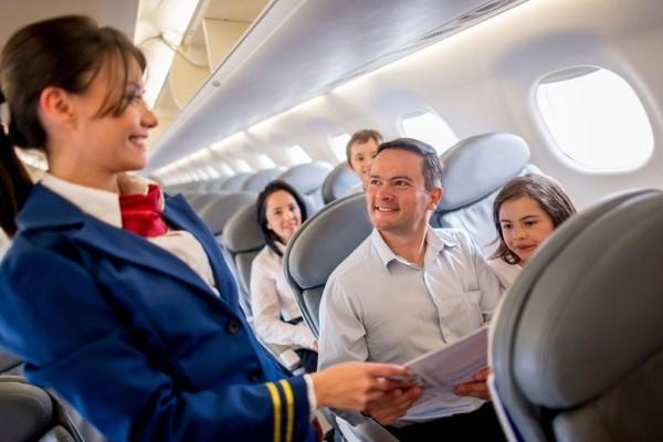 Αυτός είναι ο λόγος που οι αεροσυνοδοί δεν πίνουν ποτέ καφέ στο αεροπλάνο! - Μήπως να το ξανασκεφτείτε κι εσείς;