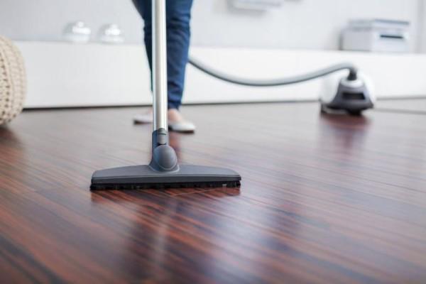 Τρομερό κόλπο: Πως θα αρωματίσετε το σπίτι σας μέσω της ηλεκτρικής σκούπας;