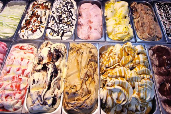 Καταναλώνουμε δηλητήριο: Δεν φαντάζεστε τι περιέχουν τα παγωτά!