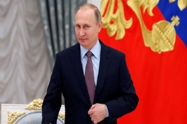 Αυτή είναι η ξανθιά γοητευτική δημοσιογράφος που «αναστάτωσε» τον Πούτιν (Photo)