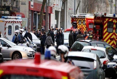 Έκρηξη σε λεωφορείο στο Παρίσι!