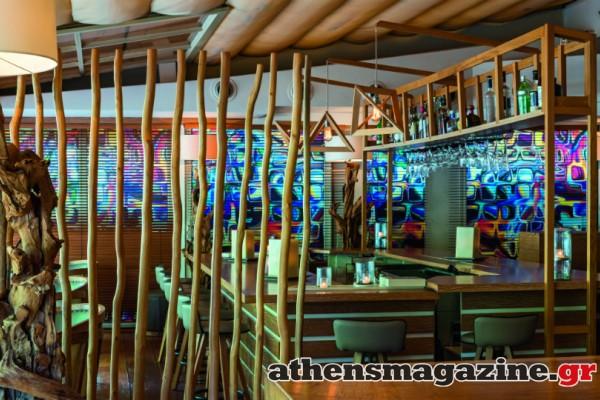 Το μαγαζί στην Βουλιαγμένη με την mix & match minimal διακόσμηση που σου προσφέρει... θέα στο απέραντο γαλάζιο!