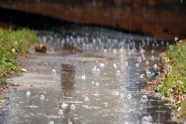 Που οφείλεται άραγε αυτή η γλυκιά και ευχάριστη μυρωδιά της φρέσκιας βροχής; Ιδού η απάντηση!