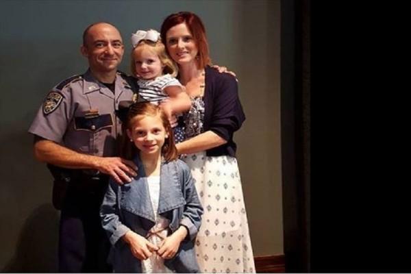 Την ώρα που κήδευε τον νεκρό άντρα της οι κόρες της αποκάλυψαν κάτι σοκαριστικό! (Photo)