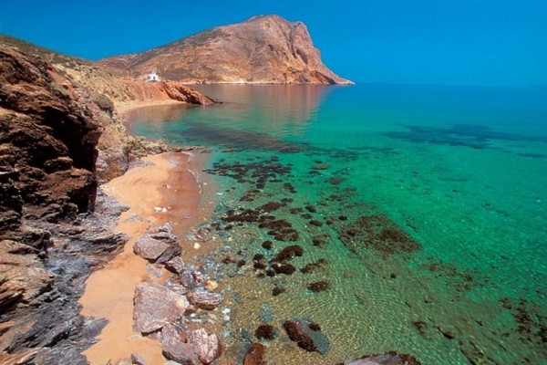 Ανάφη: Ένα μέρος ήρεμο και φιλόξενο για διακοπές ανεμελιάς και χαλάρωσης! (Photo)