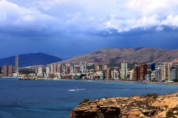 Έβρασε η θάλασσα στην Ισπανία από τον παρατεταμένο καύσωνα! - Η θερμοκρασία χτύπησε